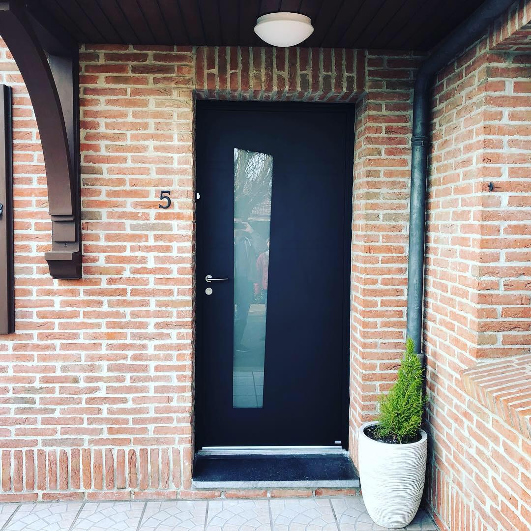 Portes d 39 entr e portes d 39 entr e sur mesure bois alu pvc acier pr s lille - Porte d entree sur mesure ...